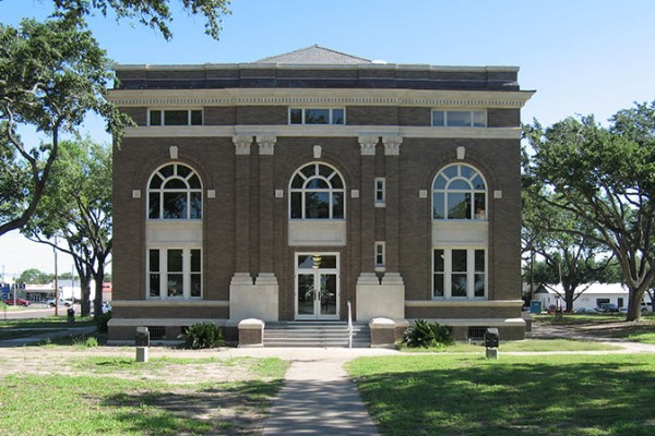 brooks-county-courthouse-historic-windows3
