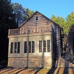 historically-constructed-cabin(1)